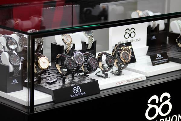 A new concept jewellery store opens in birmingham's jewellery quarter